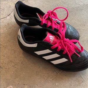 Girls soccer cleats size 1 addidas